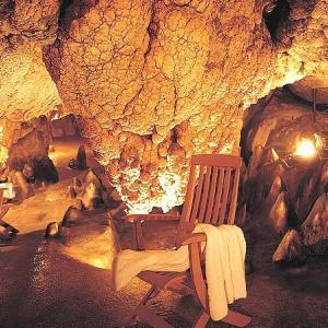 Grotta Giusti in Toscana