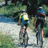En mountain-bike Italie